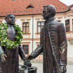 Statuen von Jedlik Ányos und Czuczor Gergely in Györ