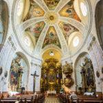 Innenansicht der Karmeliterkirche in Györ